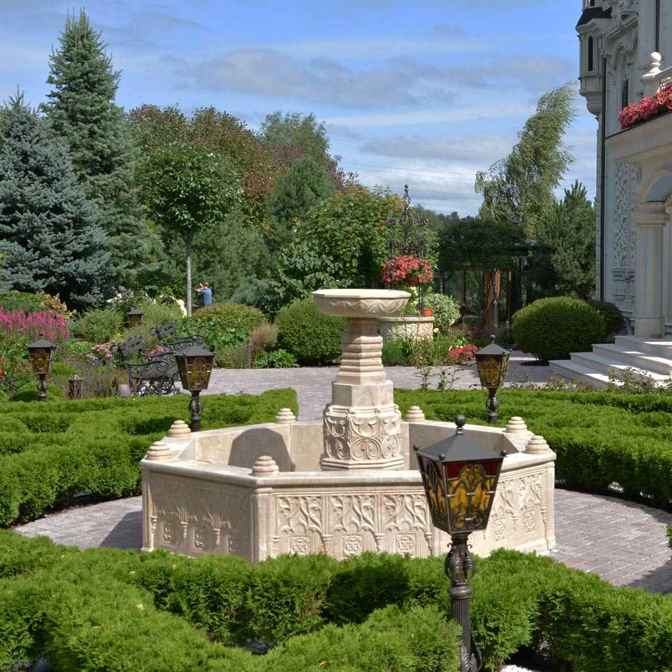 МАФ - фонтан в саду